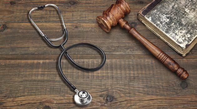 Legittimo il diritto al rimborso delle spese mediche, nell'urgenza e impossibilità di ottenere il medesimo trattamento presso centri italiani
